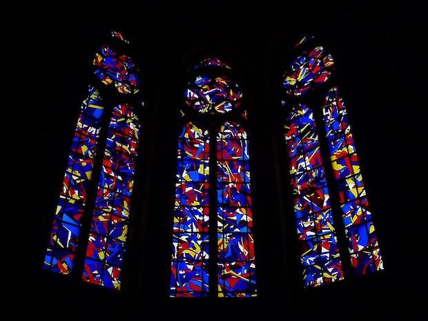 Les vitraux du XXIe siècle créés par Imi Knoebel. Photo Pixabay/Andrew Martin