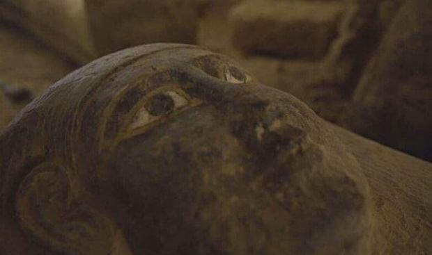 Les sarcophages inviolés étaient scellés depuis plus de 2500 ans